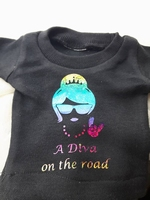 auto t-shirt a diva on the road zwart rainbow