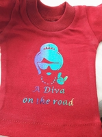 auto t-shirt a diva on the road rood tekst  rainbow